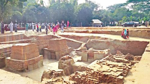 The site of the 1000-year-old Buddhist stupas discovered by archaeologists in Nateshwar in Munshiganj. Photo: Star