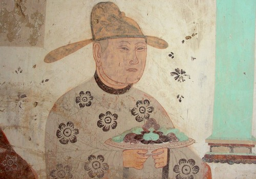 The portrait of Cao Yijin, ruler of Dunhuang, who rededicated Cave 85 during the Five Dynasties is painted on the south wall of the corridor. Photo: Francesca Piqué