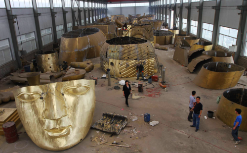 The Grand Maitreya Project statue manufacturing process. Photo via The Grand Maitreya Project on Facebook.
